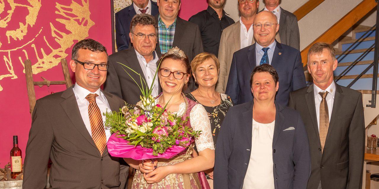 Krönungsabend – Josefin Büttner neue Markelsheimer Weinkönigin
