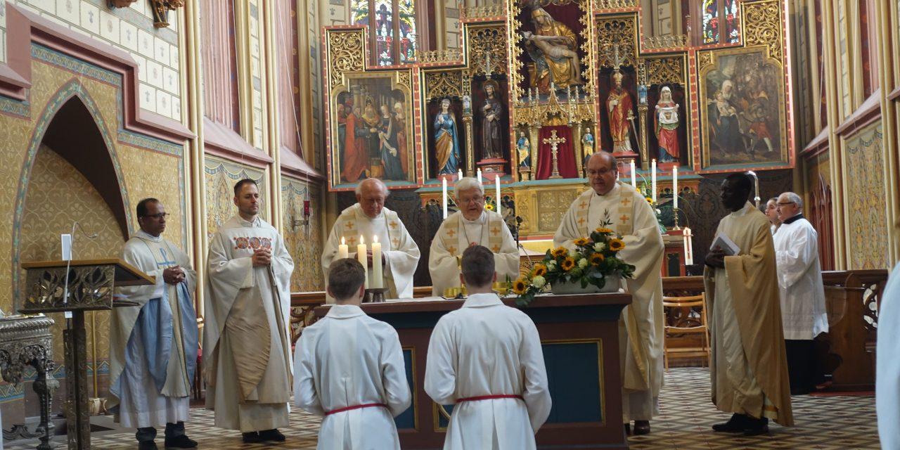 Feierliches Pontifikalhochamt in der Bergkirche mit Bischof Dr. Kreidler em. zu Maria Auffahrt in den Himmel