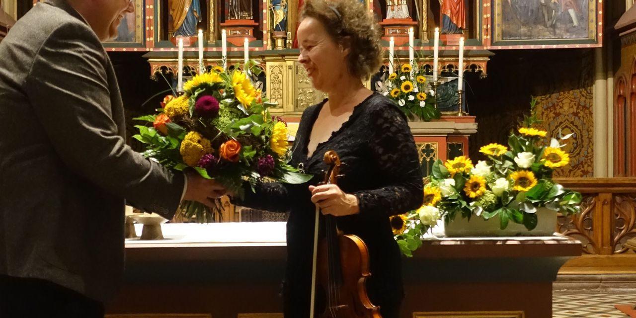 Laute und leise Töne beim Solo-Violinenkonzert von Franziska König
