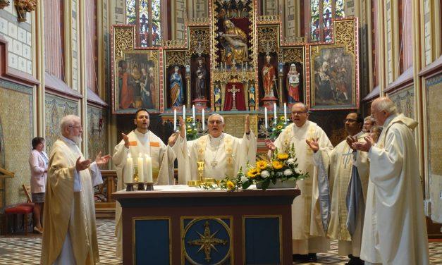Feierliches Pontifikalhochamt in der Bergkirche mit Diözesanbischof Dr. Gebhard Fürst zu Mariä Geburt