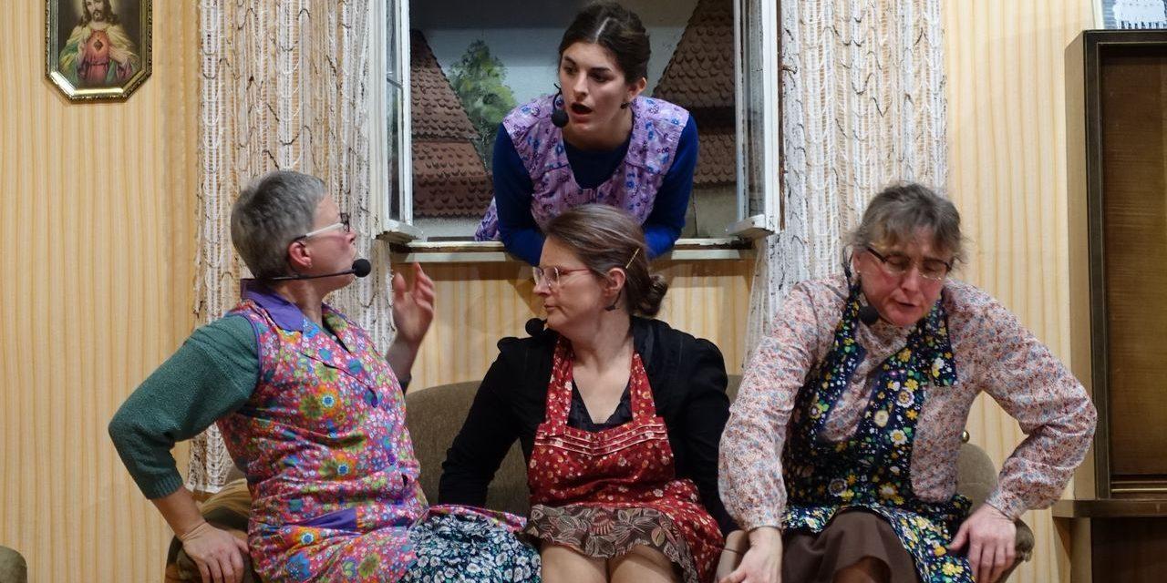 """Premierenaufführung """"Küsse für die Tanten"""" in Laudenbach am 21.12.2019 – Theatergruppe 0815"""